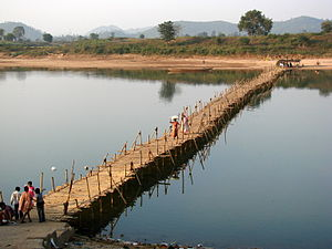 Bridge on the river Koel made of Bamboo.jpg