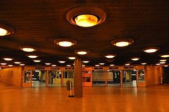 Line 3 (Budapest Metro) - Image: Budapest, metró 3, Újpest Központ, 19