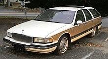 Buick Roadmaster wagon.jpg