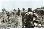 Bundesarchiv Bild 101I-166-0509-14, Kreta, Gefangennahme britischer Soldaten Recolored.jpg