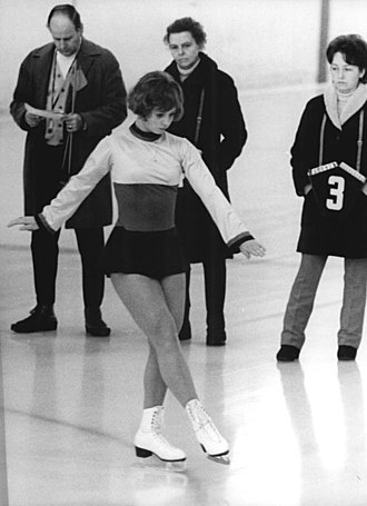 Single skating - Sonja Morgenstern skates a compulsory figure (1971)