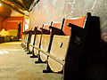 Bunkr Parukářka, klub, sedačky.jpg