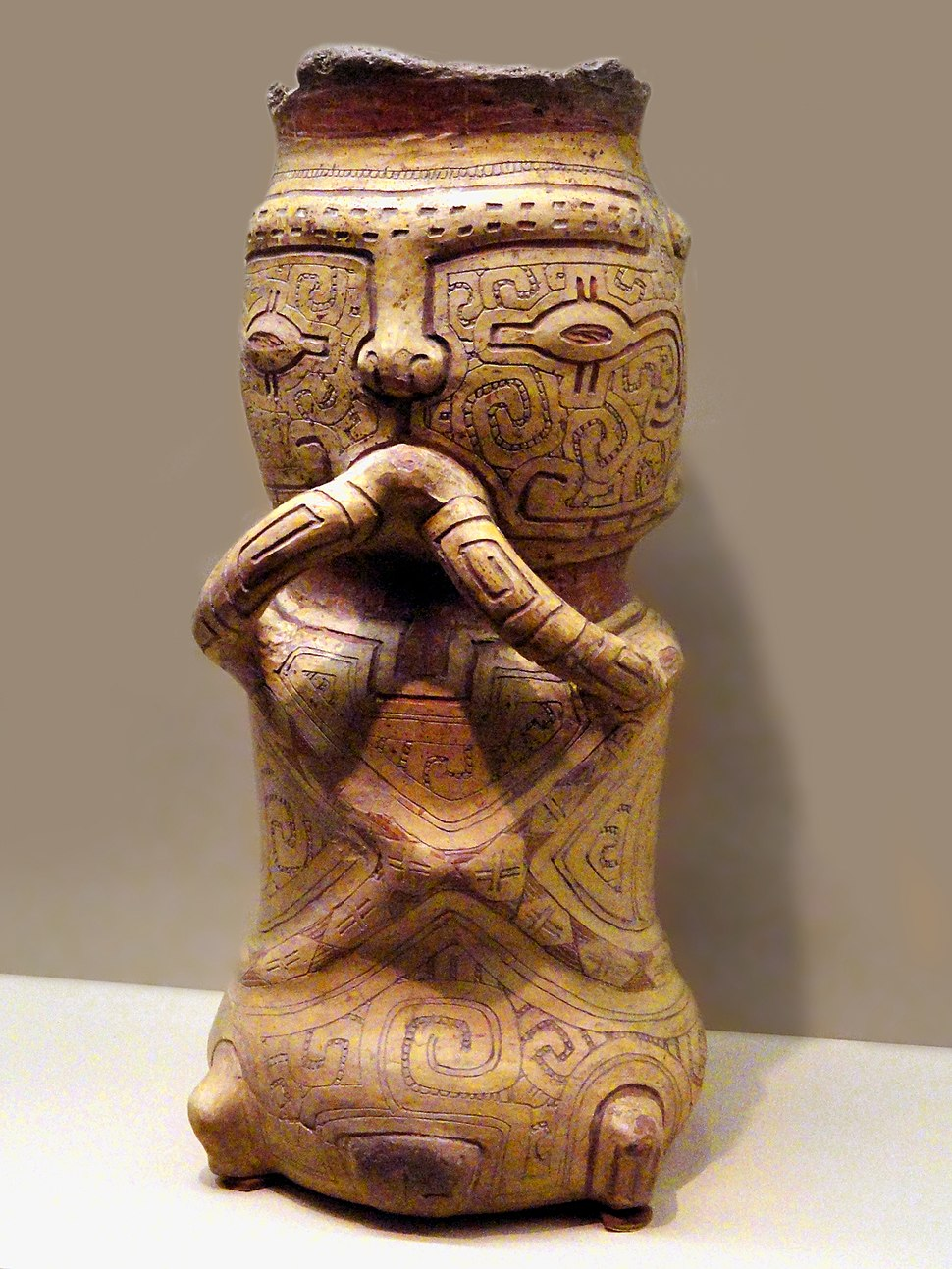 Burian urn, AD 1000-1250, Marajoara culture - AMNH - DSC06177 b