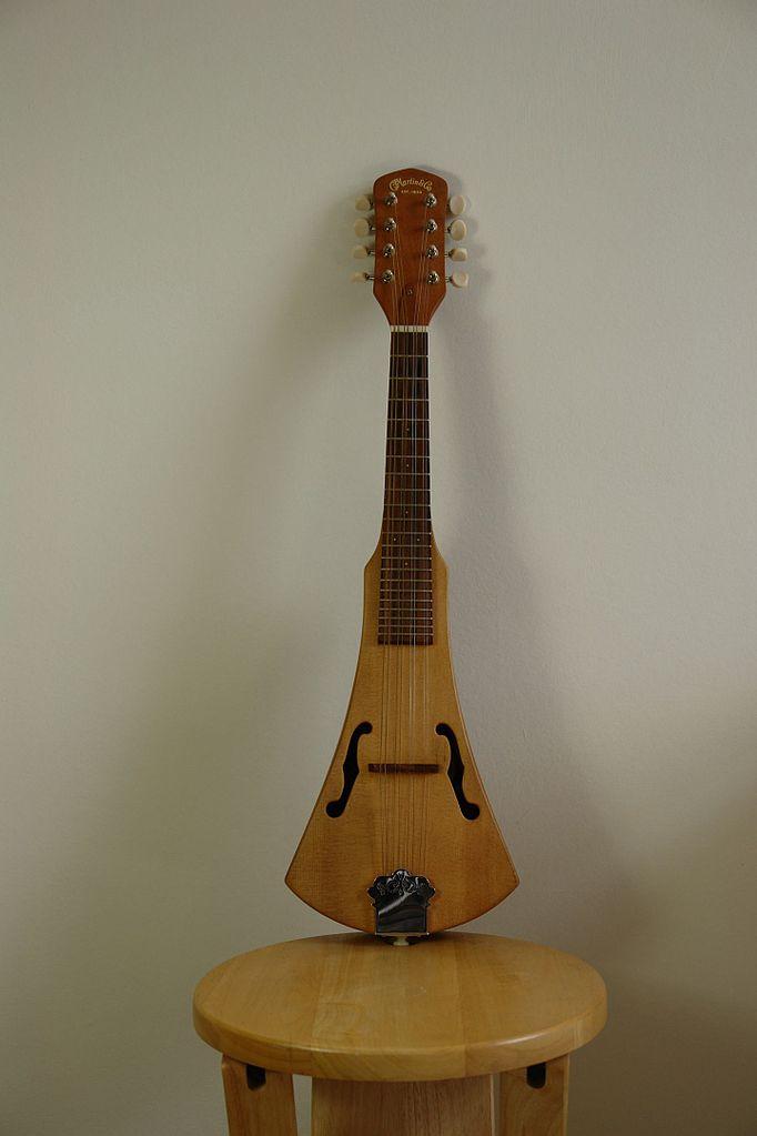 file c f martin backpacker mandolin by jim hutcheson jpg wikimedia commons. Black Bedroom Furniture Sets. Home Design Ideas