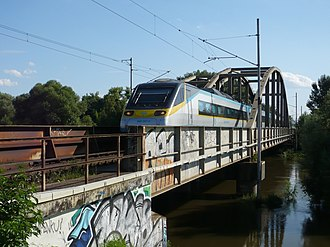 North railway (Austria) - Image: CD class 682 007 0 from Vienna to Prague crossing the first bridge over Thaya