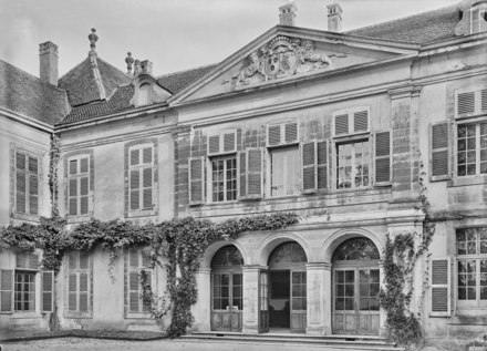 Chateau de Coppet, vue partielle CH-NB - Coppet, Chateau de Coppet, vue partielle - Collection Max van Berchem - EAD-8736.tif