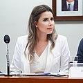 Caroline De Toni em mesa de comissão na Câmara dos Deputados do Brasil.jpg