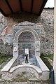 Casa della fontana grande, con una fontana del I secolo dc. 02.jpg