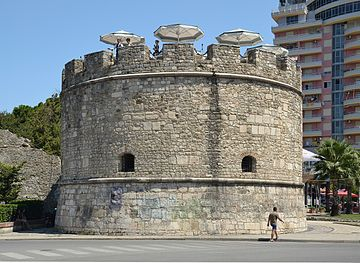 Castle Tower in Durrës (by Pudelek).JPG