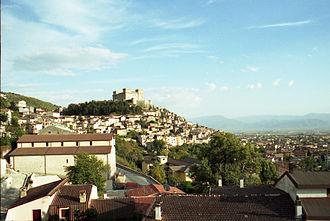 Celano - Image: Celano con Castello Piccolomini