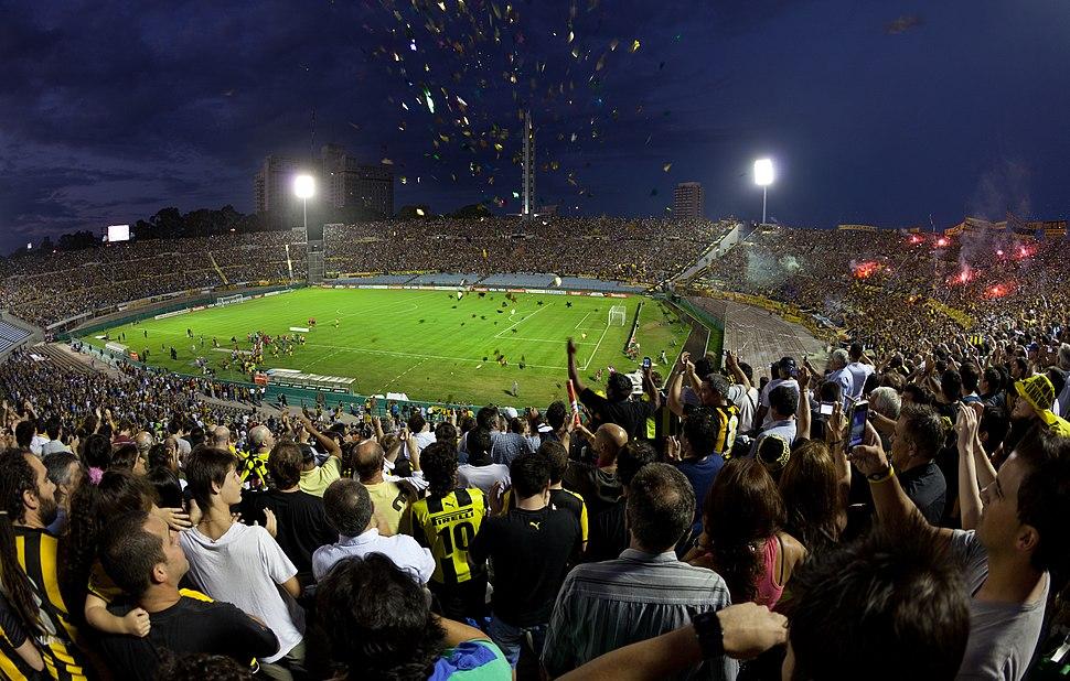 Centenario - Peñarol vs LDU Quito