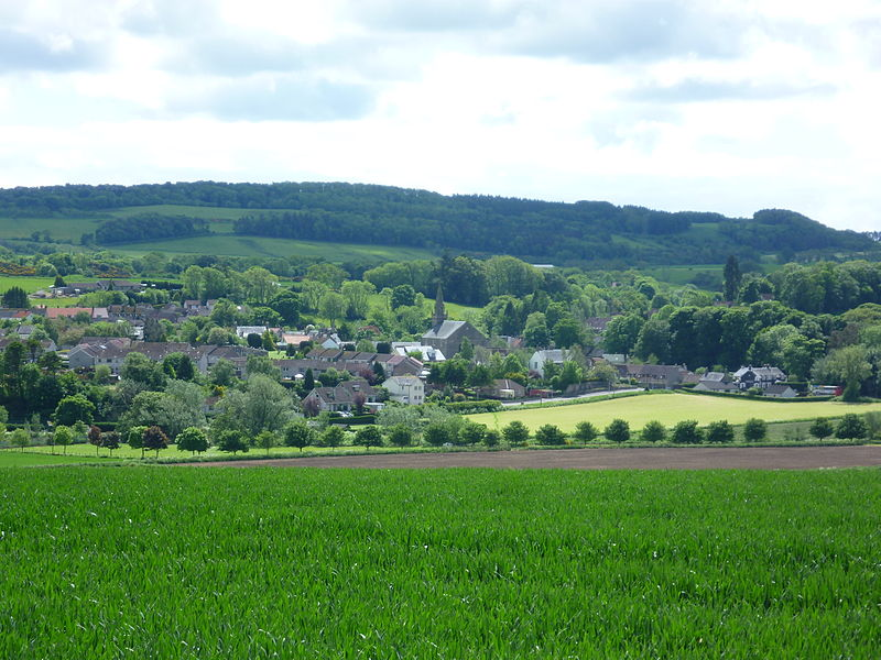 The village of Ceres in Fife from the Cupar Road. The village green, seen on the right, is where the annual Ceres Games are held. It is believed they originated in the 14th century to celebrate the return of the villagers who fought at the Battle of Bannockburn in 1314