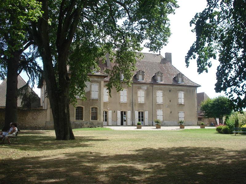 File:Château communal hauterives.JPG