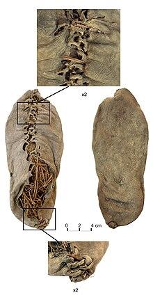 Histoire de la mode des chaussures dans ARTISANAT FRANCAIS 220px-Chalcolithic_leather_shoe_from_Areni-1_cave
