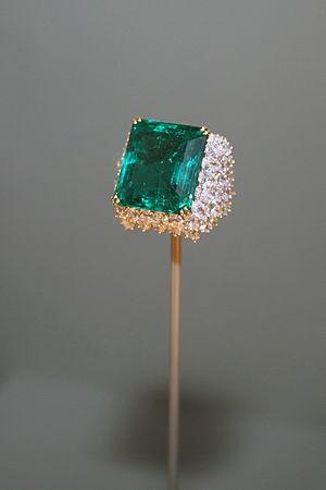 Chalk Emerald - The Chalk Emerald ring