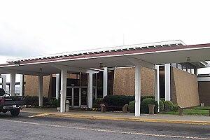 Charlotte station (Amtrak) - Station entrance