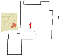 Chaves County New Mexico Incorporated and Unincorporated areas Roswell Highlighted.svg