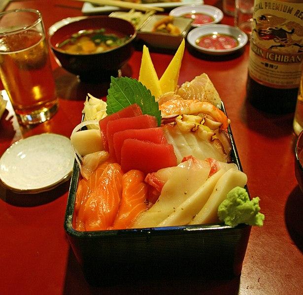 File:Chirashi zushi by Marshall Astor in Gardena, CA.jpg