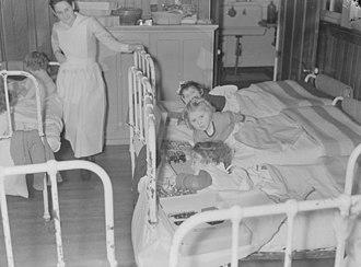 Montreal Children's Hospital - Image: Christmas. At the Kiwanis Hut B An Q P48S1P02175