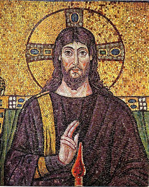 Mosaico de Cristo con el nimbo crucífero en la Basílica de San Apolinar Nuovo en Rávena.