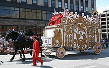 220px-Circus-Parade_white-bandwagon_Jul0