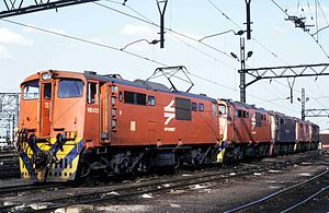 South African Class 6E1, Series 6 - No. E1709 as Class 16E no. 16-422B, Germiston, 6 December 1991