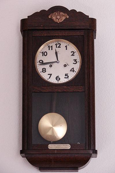 File Clock Junghans 6932 Jpg Wikimedia Commons