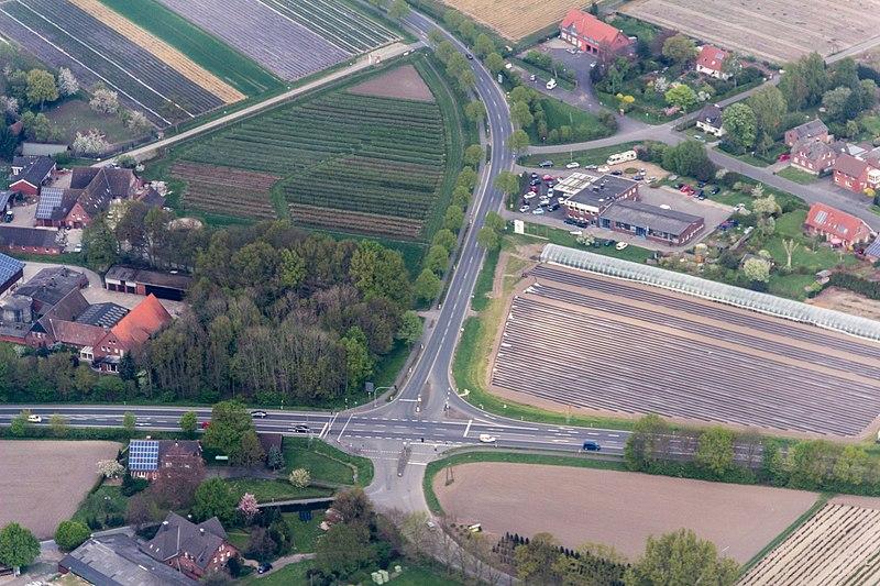 File:Coesfeld, Bundesstraße 525 -- 2014 -- 7632.jpg