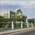Collectie Nationaal Museum van Wereldculturen TM-20029569 Oude patricierswoning in Oranjestad Oranjestad -Aruba Boy Lawson (Fotograaf).jpg