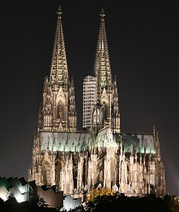 Colognecathedralatnight.JPG