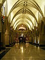 Corridor vers la bibliothèque du Parlement (2184553996).jpg