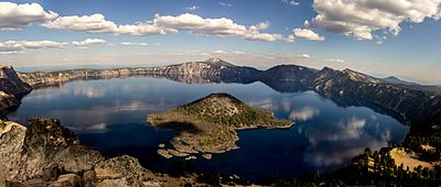 Crater Lake from Watchman Lookout.jpg