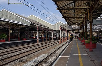 Crewe railway station - Platforms 5 and 6 at Crewe.