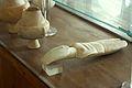 Cycladic figurine, female and marble vessel, 3000-2300 BC, AM Naxos, 110038.jpg
