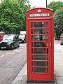 Czerwona budka telefoniczna w Londynie; red London phone box.JPG