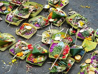 Balinese Hinduism - Canang sari offerings