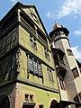 Das Pfisterhaus in Colmar ist eines der schönsten Häuser im Altstadtzentrum - panoramio.jpg
