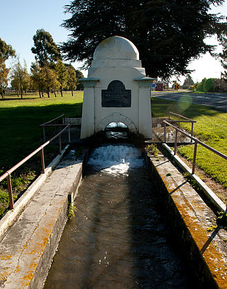 De Renzie Brett - De Renzie Brett memorial in Kirwee