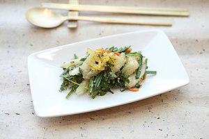 Codonopsis lanceolata - deodeok yuja salad