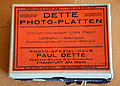 Dette Photo-Platten orthochromatisch ultra rapid Lichthoffrei Braunguss Photo-Spezial-Haus Paul Dette Friedens-Strasse 2 Am Schauspielhaus Frankfurt am Main.jpg