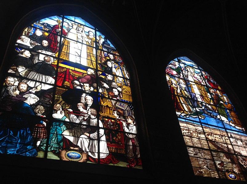 A gauche: couronnement de la statue de N.D des Aydes en 1860 A droite: invocation lors de la crue de la Loire en 1866 (ex_voto). Église Saint-Saturnin de Blois