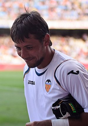 Diego Alves - Alves as a Valencia player in 2011