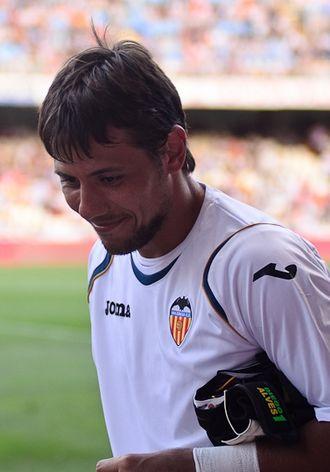 Diego Alves - Alves as a Valencia player in 2011