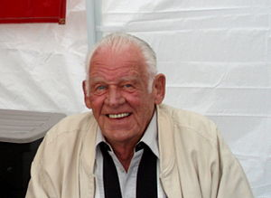 Don Larsen - Larsen at a Yankees fan fair in 2007.