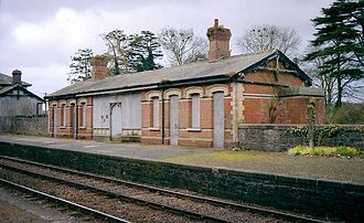 Dunleer - Dunleer station and platform on the Belfast-Dublin Line