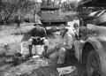 ETH-BIB-Alfred Künzle und Mechaniker Wegmann im Serengeti Camp-Kilimanjaroflug 1929-30-LBS MH02-07-0482.tif