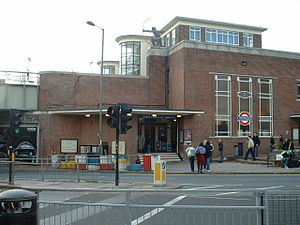 East Finchley tube station - Image: East Finchley stn building