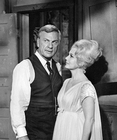 Eddie Albert and Eva Gabor Green Acres 1965.JPG