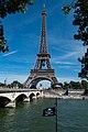 Eiffelturm Euro (28800268736).jpg