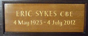Eric Sykes - Memorial plaque to Eric Sykes in St Paul's Church in Covent Garden